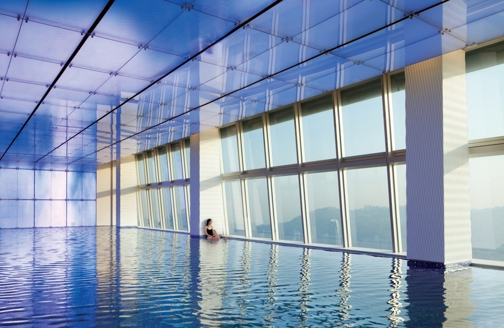 ritz-hong-kong-pool